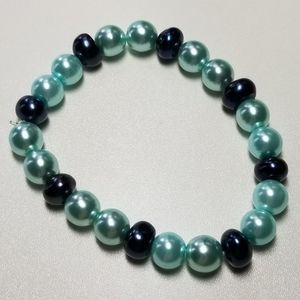 Freshwater and glass pearl bracelet